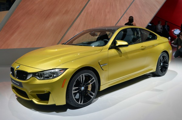 02-2015-bmw-m4-coupe-detroit-1