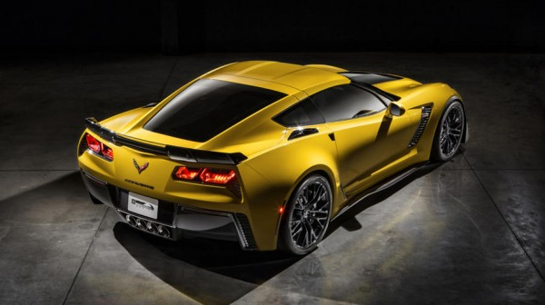 2015-Chevrolet-CorvetteZ06-0303