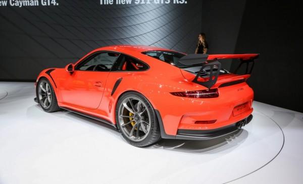 Porsche-911-GT3-RS-207-876x5351