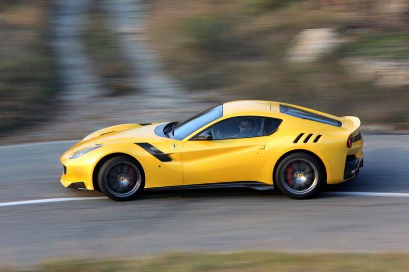 Ferrari_F12tdf_1