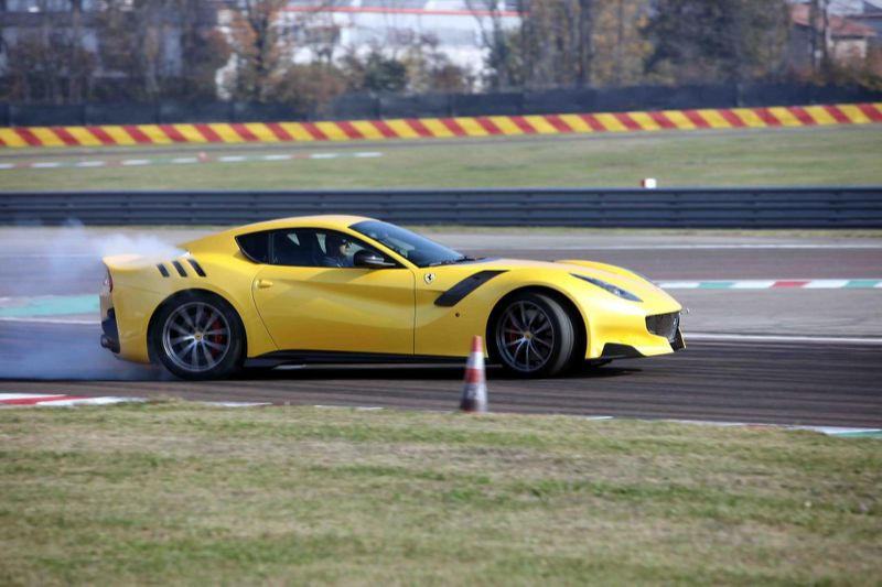 Ferrari_F12tdf_3