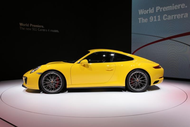 Porsche-911-4S