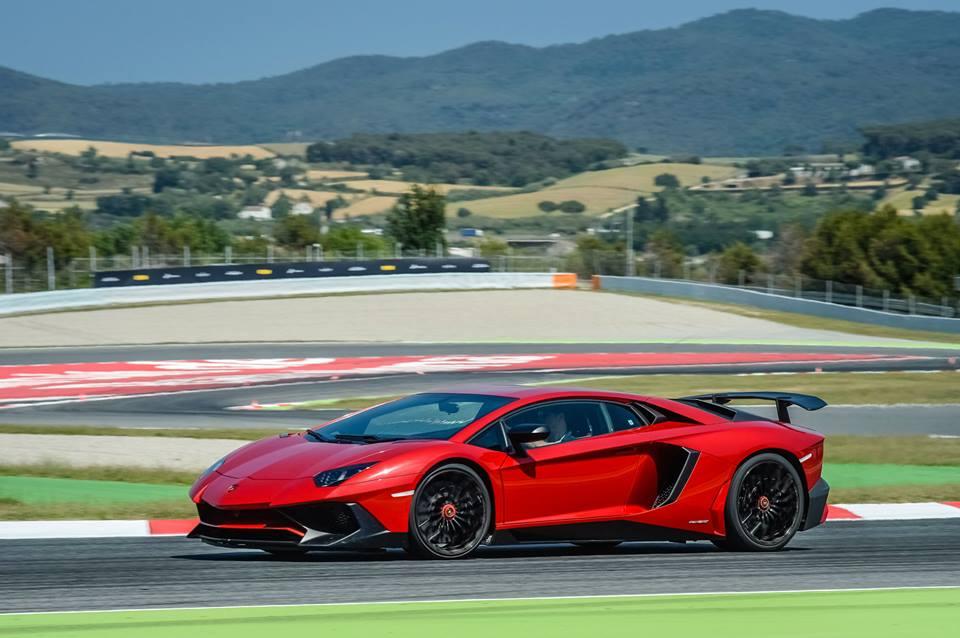 Lamborghini_Aventador_SV