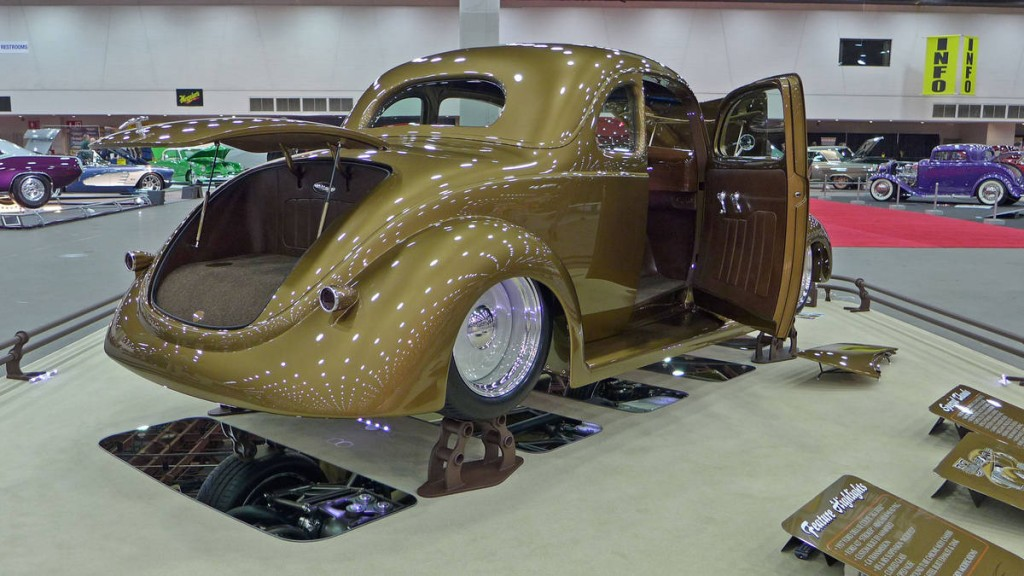 37FordDeluxeCoupe_1