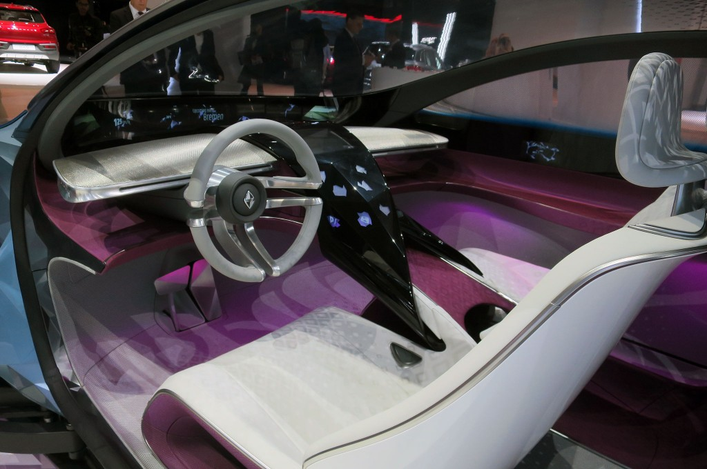 Borgward-Isabella-concept-interior-from-driver-side